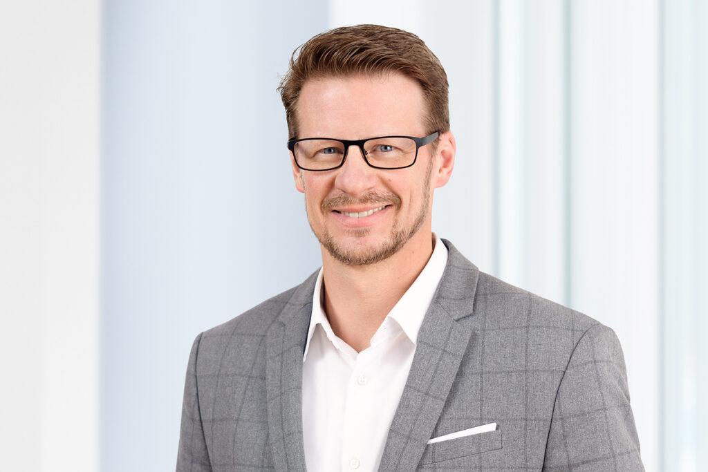 Dr. Christoph Bug